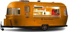 Veuve Clicquot Champagne on wheels!!! This should be at every event! LOVE LOVE LOVE! Complete with honey rimmed glasses of course! Enjoy! Salute!