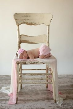 Newborn Girl Photo| Kansas City Photographer #newborn