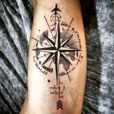 Tatto that demonstrates the desire and madness for Travel! - Tatto that demonstrates the desire and madness for Travel! Hand Tattoos, Forarm Tattoos, Small Forearm Tattoos, Arrow Tattoos, Sleeve Tattoos, Tatoos, Arrow Compass Tattoo, Geometric Arrow Tattoo, Compass Tattoo Design