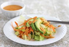 Just like the salad you get at the Japanese Restaurants - Romaine Lettuce, Avocado and Carrot Salad with Carrot Ginger Salad Dressing #salad #healthy