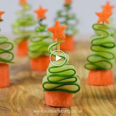 Fun and Healthy Christmas Party Food for Kids - Easy Cucumber Christmas Trees re. - Fun and Healthy Christmas Party Food for Kids – Easy Cucumber Christmas Trees recipe - Healthy Christmas Party Food, Christmas Tree Food, Christmas Snacks, Xmas Food, Christmas Appetizers, Christmas Cooking, Christmas Goodies, Holiday Treats, Kids Christmas