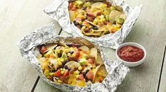 DIY Tin Foil Camping Recipes - Grilled Tex-Mex Nacho Foil Packs - Tin Foil Dinners, Ideas for Camping Trips healthy Easy Make Ahead Recipe Ideas for the Campfire. Breakfast, Lunch, Dinner and Dessert, Tin Foil Dinners, Foil Packet Dinners, Foil Pack Meals, Foil Packets, Hobo Dinners, Tex Mex, Tamales, Mexican Food Recipes, Dinner Recipes