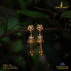 Traditional earring in its purest form… Traditional earring in its purest form…,jewelry Related Round Moissanite Forever Classic Engagement Ring, White Gold Moissanite and Diamond Ring, Ch.How to Decorate with Vintage DecorOld Books. Gold Jhumka Earrings, Indian Jewelry Earrings, Jewelry Design Earrings, Gold Earrings Designs, Gold Bangles Design, Gold Jewellery Design, Gold Mangalsutra Designs, Gold Jewelry Simple, Decoration