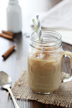 Cinnamon Iced Latte - Cook Nourish Bliss Recipe for honey cinnamon iced latte - make this coffee shop beverage at home! With a honey cinnamon simple syrup for hot or cold coffee!At Home At Home may refer to: Café Latte, Iced Latte, Triple Sec, Keto Desserts, Cocktail Simple, Yummy Drinks, Yummy Food, Cold Brew Coffee Recipe, Latte Recipe