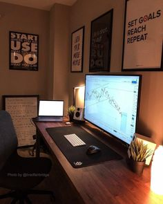 Big enough monitor for ya?🤯 Here's trading setup, featuring a Phillips monitor - something most people probably… Home Office Setup, Home Office Space, Home Office Design, House Design, Computer Desk Setup, Gaming Room Setup, Video Game Rooms, Game Room Design, Workspace Design