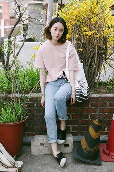 Fashion2ne Pink Tee, Fashion2ne Baggy Jeans