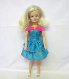 Marie in a block is under her hair line, no markings on her body. The doll, dress and shoes are in good played with condition. Her waist is a tad loose, the neck and top of her body has yellowed. Her Hair, Harajuku, Dolls, Friends, Dresses, Fashion, Gowns, Moda, Amigos