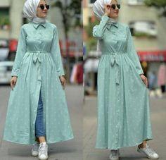 mint open dress with jeans-Casual Summer Hijab Clothing Just Trendy Girls Tesettür Jean Modelleri 2020 Stylish Dresses, Modest Dresses, Casual Dresses, Islamic Fashion, Muslim Fashion, Abaya Fashion, Fashion Dresses, Fashion Fashion, Style Hijab Simple