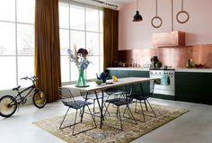 New kitchen decor copper rustic Ideas Pink Kitchen Walls, Kitchen Rug, New Kitchen, Kitchen Decor, Kitchen Design, Green Kitchen, Rustic Kitchen, Kitchen Ideas, Dark Furniture
