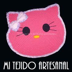 ALFOMBRITA PARA NUESTRA MASCOTA. Infinidad de creaciones tejidas al crochet, para damas, bebés, niños, adolescentes y hombres. Realizo diseños personalizados por encargo.