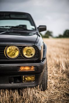 The BMW 325iX Is The Coolest E30 Of Them All – Photography by Remi Dargegen