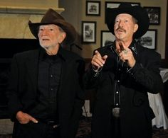 Willie Nelson and Kinky Friedman, Two Texas legends in their own time. Willie is the Monk while Kinky the Mark Twain of our time.