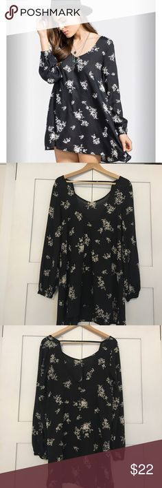Billabong sweet tomorrow dress or tunic Billabong sweet tomorrow black and white floral dress or tunic. This is cute with leggings, shorts or even as a dress! Billabong Dresses Mini