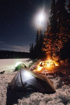 I stayed on the lake for the night. It was cold but no more snow fell......,