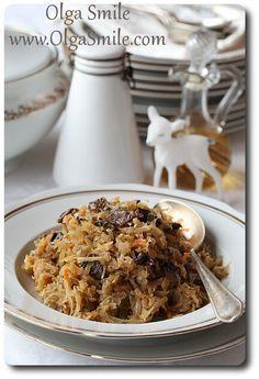 Kapusta wigilijna z grzybami - przepis Olgi Smile Polish Recipes, Polish Food, Holiday Recipes, Side Dishes, Food And Drink, Veggies, Menu, Vegetarian, Yummy Food