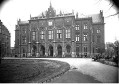 Collegium Novum of the Jagiellonian University - KRAKOW - The university was established in 1364- on the instruction of King Casimir the Great. It is the oldest university in Poland and the 2nd oldest one in Central Europe (after the Charles University in Prague founded in 1348)