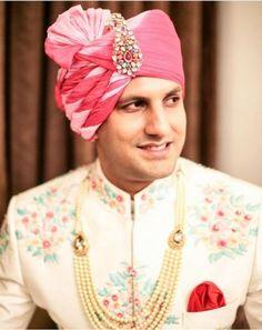 Monochrome pagri for groom with colourful kalgi! Wedding Dresses Men Indian, Wedding Dress Men, Wedding Wear, Wedding Outfits, Wedding Favors, Dream Wedding, Blue Wedding Suit Groom, Wedding Groom, Groom Outfit