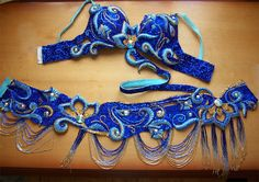 Royal blue & turquoise, beaded, Embroidered cut out bellydance bra and belt set costume - I really like the cut outs Belly Dance Bra, Belly Dance Outfit, Belly Dance Costumes, Tribal Fusion, Danza Tribal, Fantasias Halloween, Dance Fashion, Women's Fashion, Beautiful Costumes