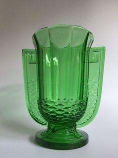"Val Saint Lambert - Art Deco vase ""Romeo"" in the rare colour green - Catawiki"