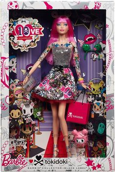 The love continues with the Barbie Loves Tokidoki doll. It's been 4 years since the original Tokidoki Barbie doll release. View the 2015 Tokidoki doll here. Barbie Dolls For Sale, Barbie I, Barbie World, Barbie And Ken, Barbie Clothes, Mattel Barbie, Fashion Royalty Dolls, Fashion Dolls, Manequin