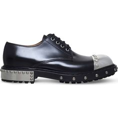Alexander Mcqueen Hobnail leather Derby shoes ($1,375) ❤ liked on Polyvore featuring men's fashion, men's shoes, men's oxfords, mens leather derby shoes, mens punk shoes, mens round toe shoes, alexander mcqueen mens shoes and mens leather loafer shoes