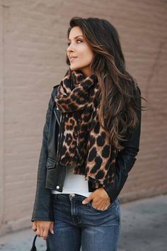 17 Fall Outfit Inspo That Will Make You Love This Season Leopard Scarf + High Rise Skinny Jeans + Boots - Humor Womens Fashion For Work, Look Fashion, Casual Fall Outfits, Stylish Outfits, Outfit Winter, Fall Fashion Trends, Autumn Fashion, Leopard Scarf, Leopard Boots