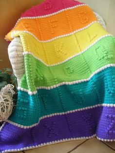 Crochet Bright Baby Rainbow Afghan I shared this photo for color idea. Pattern can be found here: http://www.crochetnmore.com/babysabcsafghan.htm