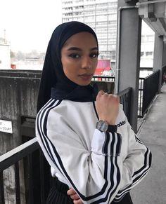Muslim Fashion 550846598177865098 - Source by Modest Fashion Hijab, Modern Hijab Fashion, Street Hijab Fashion, Hijab Fashion Inspiration, Islamic Fashion, Muslim Fashion, Modest Outfits, Casual Hijab Outfit, Hijab Chic