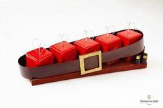 Shangri-La - ca Chocolate Christmas Gifts, Christmas Desserts, Christmas Treats, Christmas Cakes, Shangri La, New Year's Desserts, Elegant Desserts, Dessert Nouvel An, Christmas Log