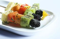Brochetas de frutas con especias