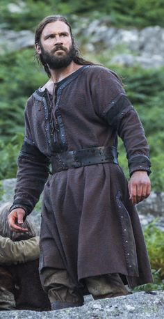 "Clive Standen as ""Rollo"" from ""The Vikings"" - Some nice details on the tunic.  I might have to adapt this (and make it a bit more accurate) for a tunic for Kol."