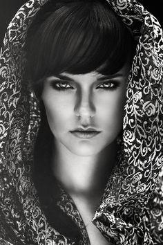 Photographer: Tycho Herf Stylist/Hair/Makeup: Malou van Doorn Model: Britta Reinink