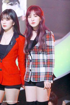 Kpop Girl Groups, Korean Girl Groups, Kpop Girls, Wendy Red Velvet, Red Velvet Irene, My Wife Is, Velvet Fashion, Seulgi, The Girl Who