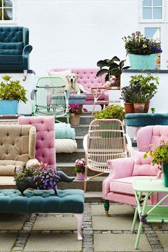 Interior Trends for 2016 - Pastels. Whichever you fancy, choose it in colour! 'Bright coloured furniture pieces are sure to make any room pop. Furniture Decor, Outdoor Furniture Sets, Colorful Furniture, Upholstered Furniture, Interior Exterior, Interior Design, Home And Deco, New Room, Home And Living
