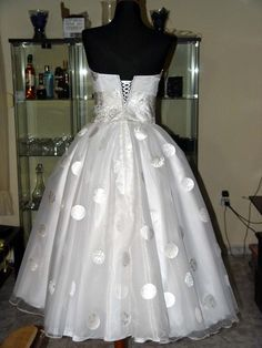 Polka Dot wedding dress, who knew NOT getting married ever again but what a lovely dress!