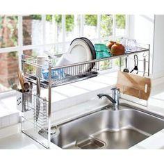 「とにかくスペースがない!」ならばシンク上を有効活用!頑丈な1mm厚の水切り棚と、皿を立てておける水切り。メイドイン新潟の自信作です。