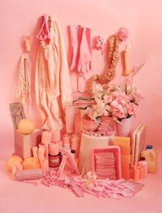Brooklyn-based photographer Sara Cwynar's 'Color Studies' series is a contemporary take on traditional still life – composed in a playful, yet meticulous way. Cwynar was partially inspired by her love… Color Rosa, Pink Color, Colour Match, Foto Still, Living Colors, Tout Rose, Rosa Pink, Displays, Color Studies