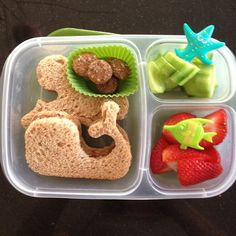 Ocean themed quick lunch with the whale and octopus sandwich cutters and some cute picks #easylunchboxes
