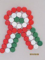 Recycled Crafts, Diy And Crafts, Arts And Crafts, Bottle Cap Art, Pop Bottles, Red Hats, Independence Day, Origami, Craft Projects