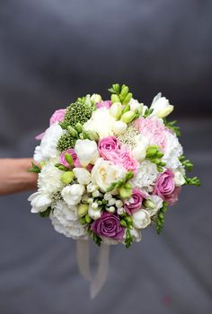 Thought this was a possible colour scheme. Small Wedding Bouquets, Bride Bouquets, Bridal Flowers, Floral Bouquets, Blush Bouquet, Hand Bouquet, Romantic Wedding Colors, Floral Wedding, Flower Decorations