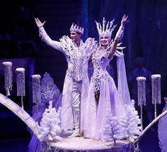 Наталья Буханова Christmas Character Costumes, Christmas Tree Costume, Mardi Gras Costumes, Carnival Costumes, Halloween Costumes, Mode Rococo, Ice Queen Costume, Snow White Queen, Decorated Bras