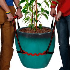 This tool is here to lend a hand next time you have some heavy lifting to do. You and a partner can now move large flower pots and other heavy objects weighing up to 200 lbs.