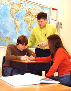 Critical Thinking: Links for Junior High School Teachers (6-9)- resources for incorporating critical thinking concepts into junior high school curricula.  http://www.criticalthinking.org/pages/junior-high-school-teachers-6-9/808#