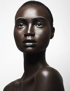 Home to Many of Africa's Top Fashion Models; Alek Wek, Ajak Deng, Ataui Deng, Grace Bol & Nykhor Paul is 2 Today! See the faces that have represented the Country. Art Visage, High Fashion Makeup, Fashion Black, Fashion Beauty, Girl Fashion, Dark Skin Beauty, Beauty Shoot, My Black Is Beautiful, Simply Beautiful