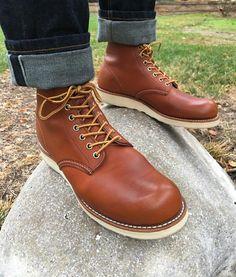 denim & leather . . .  #menswear #mensstyle #mensfashion #menstyle #workwear #workboots #denimandleather #indigo #selvedge #rawdenim #rigiddenim #redwingshoes #redwingheritage #myredwings #redwing8822 #8822 #orolegacy #heritageboots #classicboots #newvintage #usbootsfreak #madeinusa