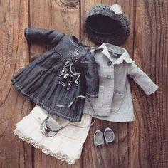 Купить или заказать Кукла в платье с вышивкой в интернет-магазине на Ярмарке Мастеров. Нежная девочка в платье с ручной вышивкой. Вся одежда полностью снимается. Берет связан на спицах 1,25мм. Подобную куколку могу сделать на заказ. Цена примерно 8,5-9;5 т. р.