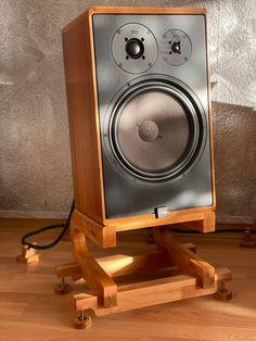 Canton Speakers, Speaker Plans, Hifi Audio, Wood Necklace, Loudspeaker, Monitor, Death, Mirror, Music