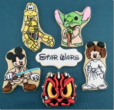 These Disney Star Wars Cookies were made by Semi Sweet Designs.  These cookies feature Mickey Mouse dressed as Luke Skywalker, Minnie Mouse dressed as Princess Leia, Goofy as C-3PO, Stitch as Yoda, and Donald Duck as Darth Maul. :: there has been a great disturbance in the force.