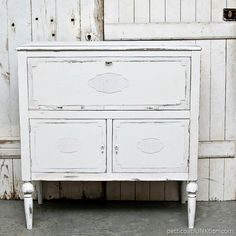 Furniture Design Bedroom Small Rooms - Repurposed Furniture For Kitchen Thrift Stores - - Mismatched Painted Bedroom Furniture - - Plywood Furniture, Repurposed Furniture, New Furniture, Furniture Projects, Rustic Furniture, Furniture Making, Furniture Makeover, Vintage Furniture, Furniture Design