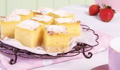 Trek die boks vla nader en maak vinnig vlablokkies vir teetyd Custard Recipes, Cheesecake Recipes, Baking Recipes, Other Recipes, Sweet Recipes, Kos, Peppermint Crisp Tart, Ma Baker, Sweet Tarts